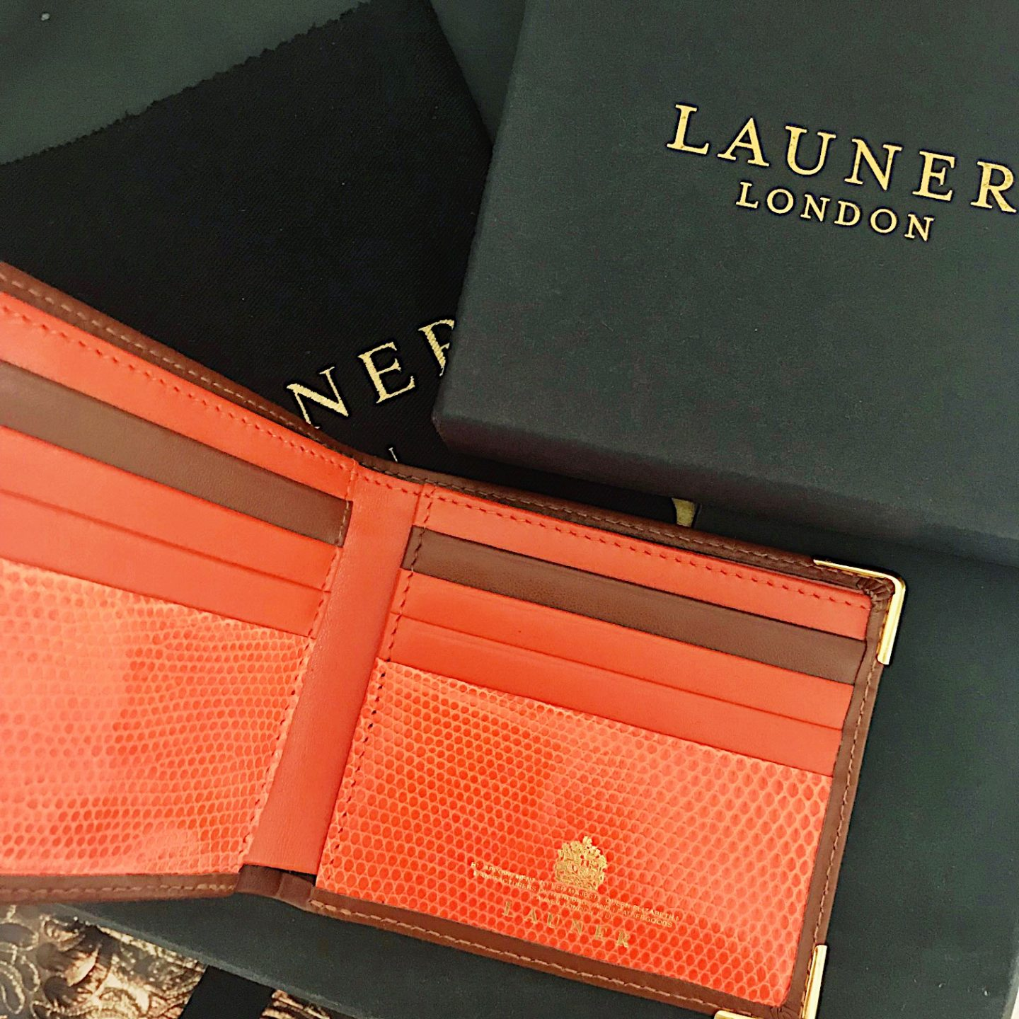 launder bespoke wallet